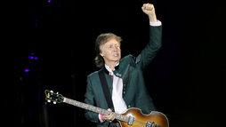 Paul McCartney vai escrever musical do clássico _A Felicidade Não se Compra_ (REUTERS/Diego Vara)