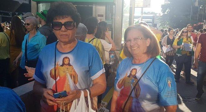 Paula Magalhães (à esq) diz que foi às ruas para defender a reforma da Previdência, pensando em seus netos e bisnetos