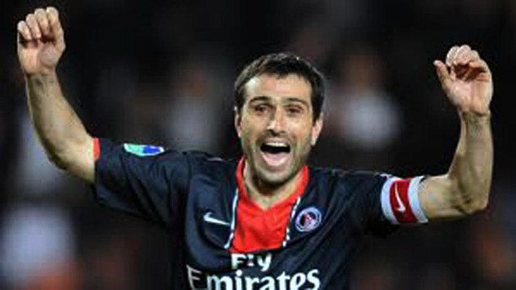 Pauleta – O português foi atacante do Paris Saint-Germain de 2003 a 2008 e é até hoje o terceiro maior goleador da história do clube francês, com 109 gols marcados