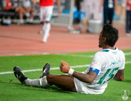 Paulinho (32 anos) - Volante - Sem time desde setembro de 2021 - Último clube: Al-Ahli - Valor de mercado: 9,5 milhões de euros (R$ 58,9 milhões)