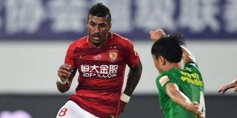 Paulinho - 36 anos - Meia - Último clube: Guangzhou Evergrande - Sem clube desde: 20/06/2021