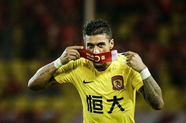 PAULINHO: Após seis temporadas no Guangzhou FC, da China, o volante rescindiu o contrato e atualmente está livre no mercado
