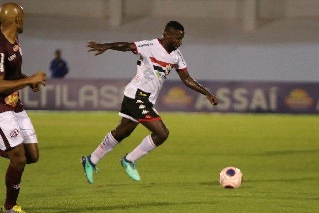 Nos desarmes o destaque tem sido para o experiente Victor Bolt. Aos 33 anos, o volante do Botafogo de Ribeirão Preto ostenta uma média de 4,4 roubos de bola por partida. Alison, do Santos, é o 2º com 3,1