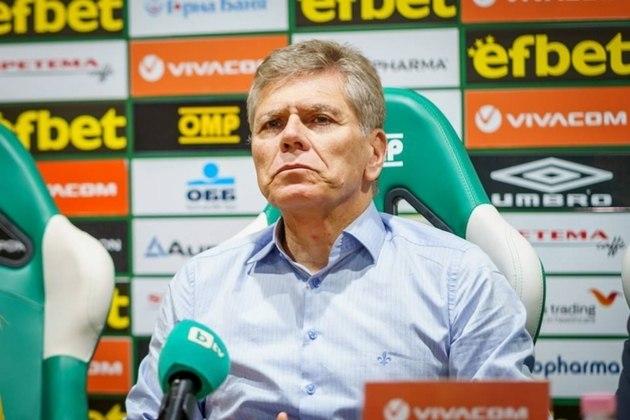 Paulo Autuori (2013) - Chegou em agosto, mas logo foi demitido em setembro, deixando o time no Z4 do Brasileirão. Ao todo, dirigiu o São Paulo em 72 jogos, com 29 vitórias, 15 empates e 28 derrotas.