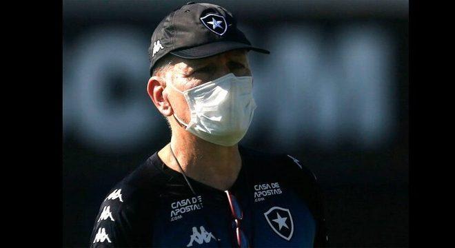 Paulo Autuori mostrou toda sua indignação, com 46 anos  de profissão