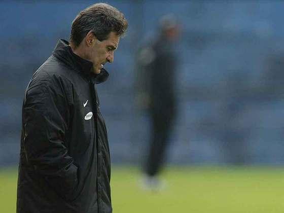 Paulo César Carpegiani - técnico - 72 anos - Ficou no clube por apenas 23 jogos e deixou o comando do time antes da queda. Seu último trabalho foi no Vitória, em 2018.