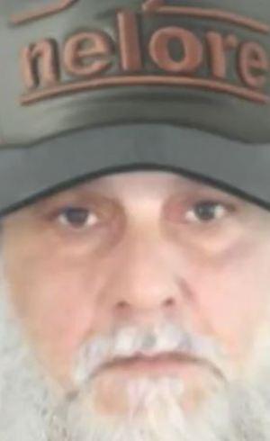 Paulo Cupertino de barba e boné. Testemunhas disseram que ele era chamado de Papai Noel, por sua personalidade dócil
