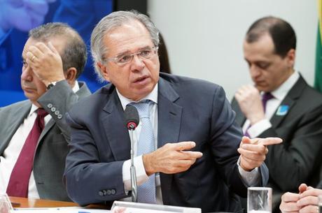 Guedes criticou parecer apresentado por relator