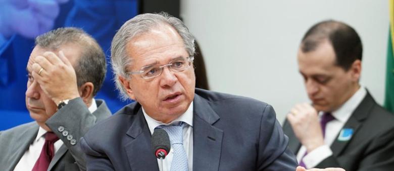 Ministro defende paralisar contratações no Governo para melhoras as finanças