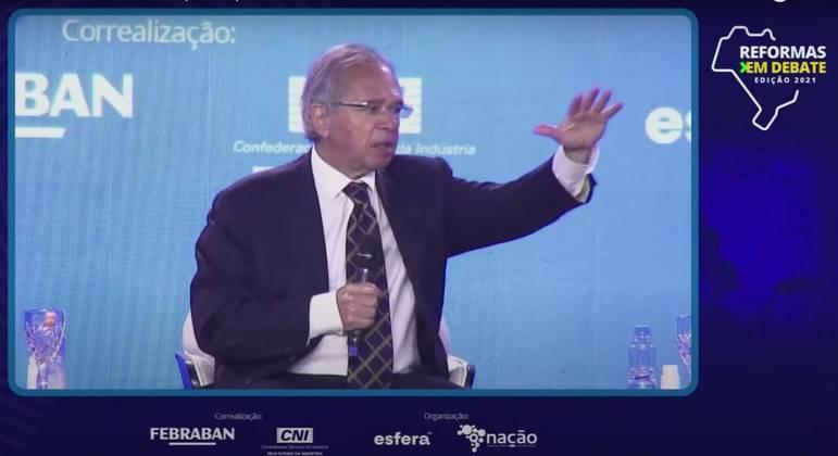 Em evento da CNI, Paulo Guedes defendeu não tributar offshores