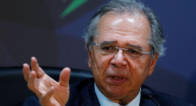 Equipe do ministro da Economia, Paulo Guedes, refez as contas e reviu reajuste do mínimo
