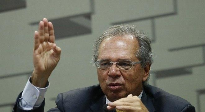 Ministro da Economia, Paulo Guedes fala na Comissão de Assuntos Econômicos