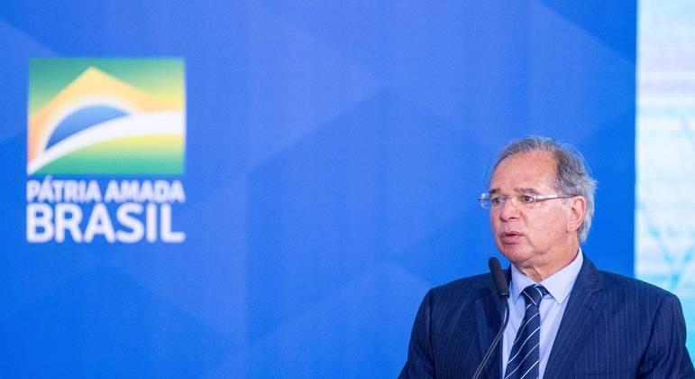 Guedes se comprometeu a adotar medidas para mitigar ou prevenir a ocorrência de conflitos de interesses