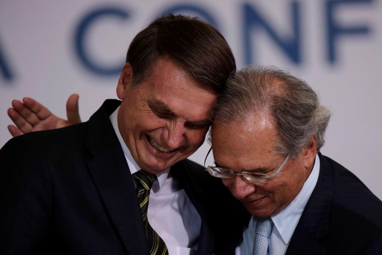 Bolsonaro diz que foi pressionado para demitir Paulo Guedes ...