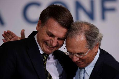 Bolsonaro bancou permanência de Guedes no governo