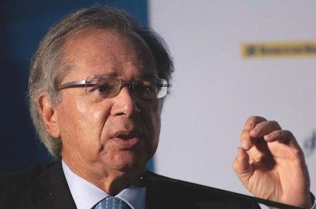Guedes diz que governo pode tributar transações digitais