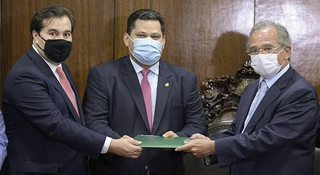 Paulo Guedes na entrega da primeira fase da tributária ao Congresso, em 21 de julho