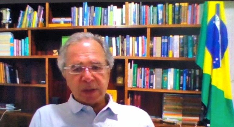 Paulo Guedes defende a vacinação em massa
