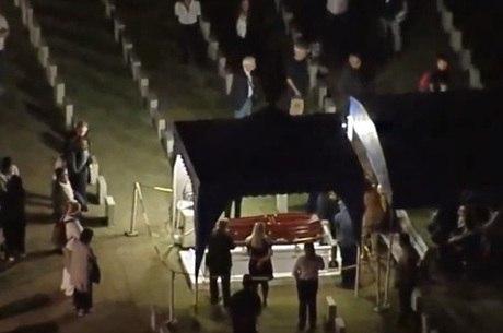 Paulo Henrique Amorim é enterrado no Rio