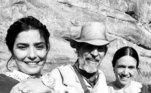Outrospersonagens marcantes foram o comerciante cigano Jairo em Explode Coração(1995), de Gloria Perez, e o alcóolatra Orestes de Por Amor (1997), de ManoelCarlos