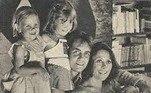 Como diretor,participou de alguns episódios de Casos Especiais na década de 1980, e dasminisséries Agosto (1993), adaptação de Jorge Furtado e Giba Assis Brasil doromance de Rubem Fonseca