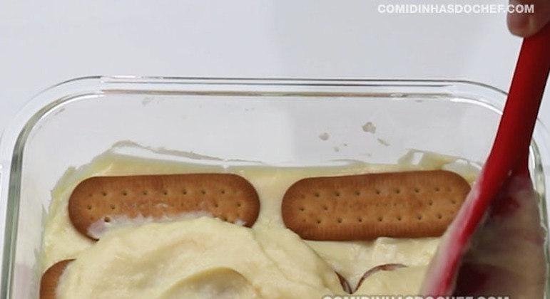 Pavê de Chocolate com Creme Branco e Preto