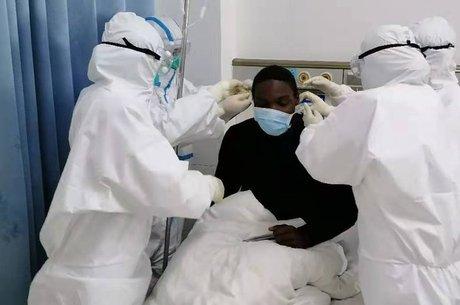 Senou afirmou que não queria ser responsável por levar doença à África