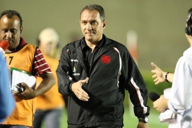 PC GUSMÃO: O último trabalho do profissional foi no Vasco, como coordenador técnico, mas deixou o clube em janeiro de 2021. Como técnico, seu último clube foi o Santa Cruz, em 2018