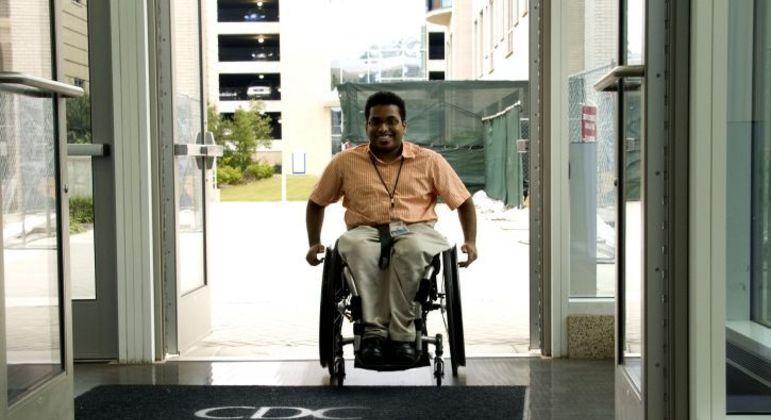 Jovem com deficiência física ou mental também está obrigado a se alistar