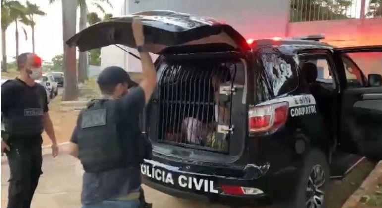 Três pessoas foram presas por roubarem carros de luxo no DF