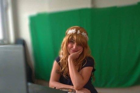 Artistas fazem teatro on-line na quarentena