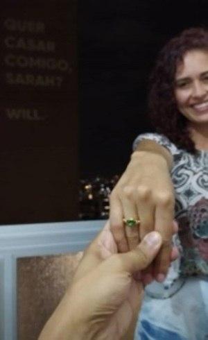 """Sarah disse """"sim"""" ao namorado"""