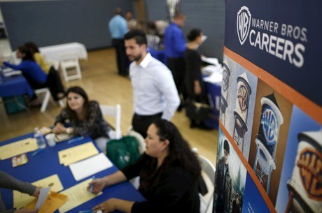 Pedidos de auxílio-desemprego ainda são altos
