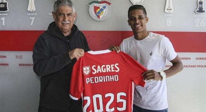 Dinheiro da venda de Pedrinho é a 'salvação' para o Corinthians. R$ 120 milhões