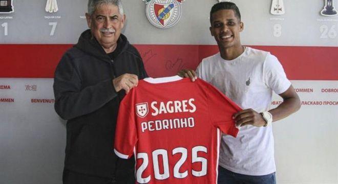 Benfica se impôs. Ou 2 milhões de euros a menos ou não compraria Pedrinho