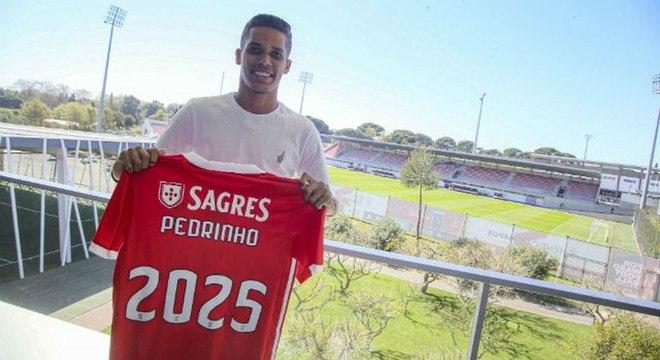 Pedrinho não jogará mais no Corinthians. Planeja viagem a Portugal