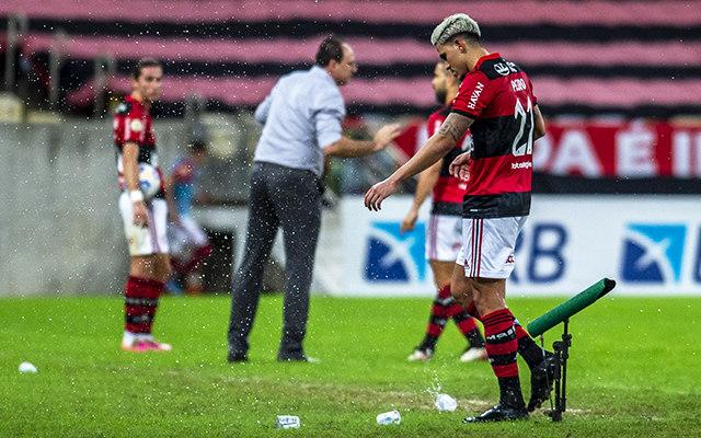 Pedro segue decepcionado. Ele implorou para o Flamengo queria jogar as Olimpíadas