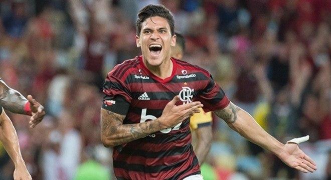 Pedro. 20 gols, duas assistências. Em apenas 36 jogos. Diretoria do Flamengo encantada