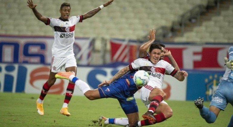 O pênalti em Pedro. A melhor chance para o Flamengo. Mas o time de Ceni foi muito mal