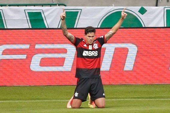 Pedro empatou o jogo. Time remendado do Flamengo não sofreu na arena palmeirense
