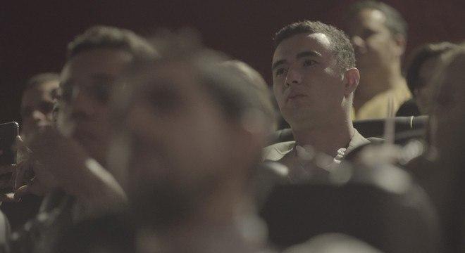 Tenente Pedro Aihara esteve na sala de cinema