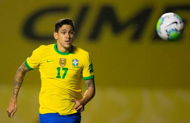 PEDRO - Atacante que esteve próximo de disputar a Olimpíada, já recebeu chances com Tite e tem boas chances e é bem cotado na equipe canarinha.