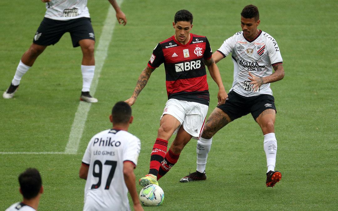 Pedro subiu de produção com a entrada de Everton Ribeiro e marcou o primeiro do Fla