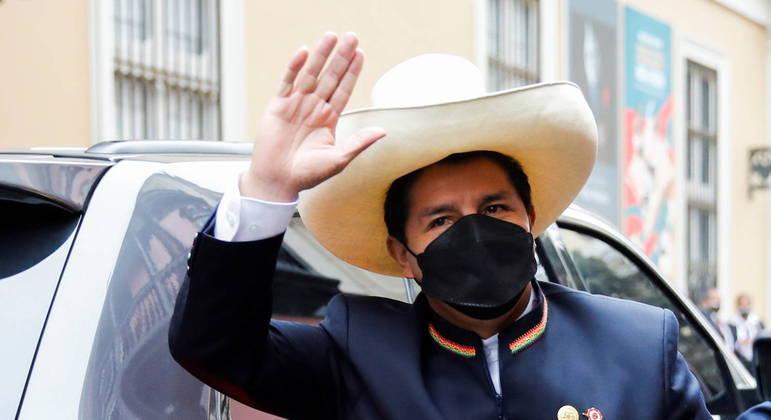 Pedro Castillo tomou posse como presidente do Peru nesta quarta-feira