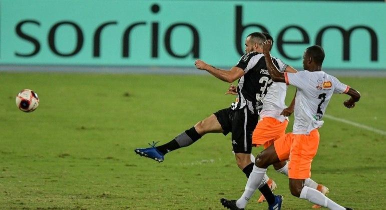 Pedro Castro foi o grande responsável pela classificação do Botafogo