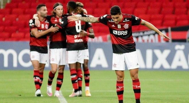 Pedro marcou para o Flamengo aos 5 e aos 14 minutos do segundo tempo