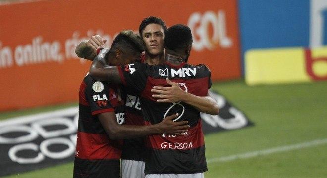 Pedro foi o grande herói do Flamengo, ao marcar dois gols
