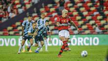 Flamengo vence com público no Maracanã e pega Athletico na semi