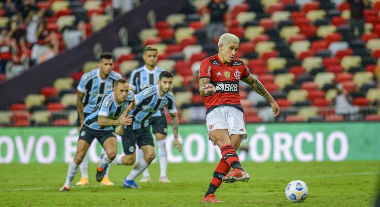 Pedro fez os dois gols do Flamengo na vitória sobre o Grêmio na Copa do Brasil
