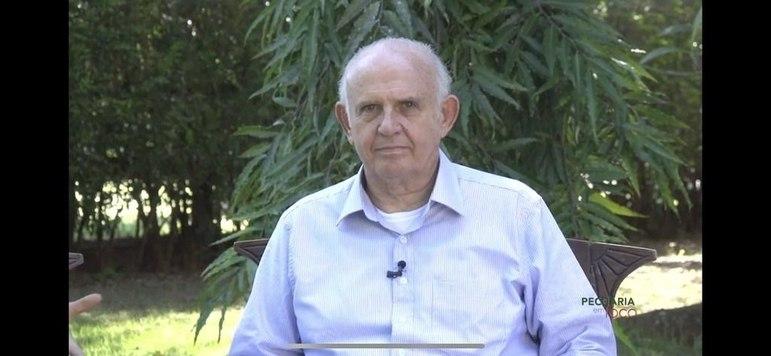 Pedro Grendene Bartelle, 70 anos - Fortuna estimada em 1,1 bilhão de dólares - Torcedor do Internacional - Fonte da riqueza: Grendene - 56º colocado na lista de pessoas mais ricas do Brasil, segundo a revista Forbes.
